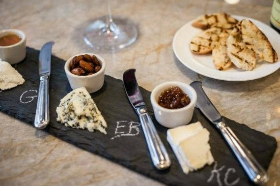 Golden Pheasant Inn: Cheese plate featuring local artisans