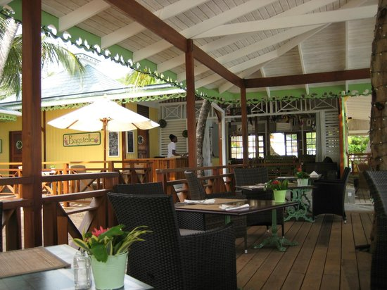 Bequia Beach Hotel: The restaurant