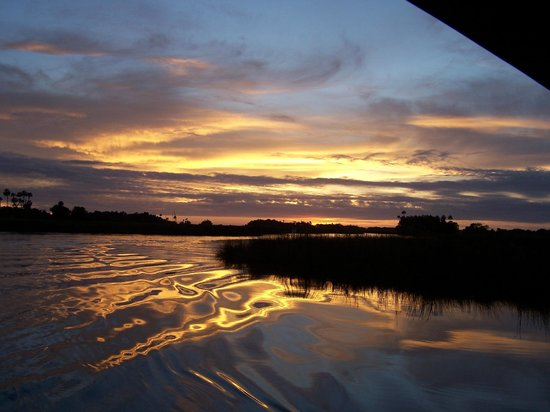 Yankeetown, FL: Sunset on Bennett's Creek