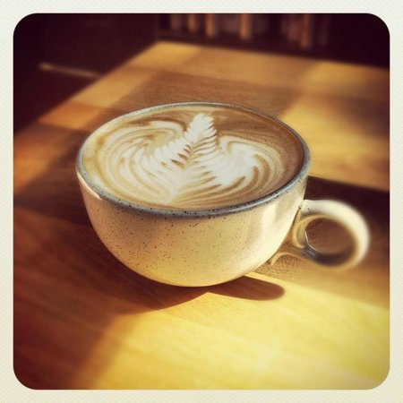 Higher Grounds Trading Co. : Single shot latte.