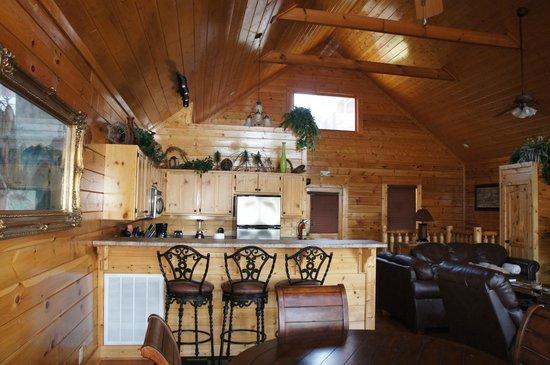 Legacy Mountain Resort: Kitchen