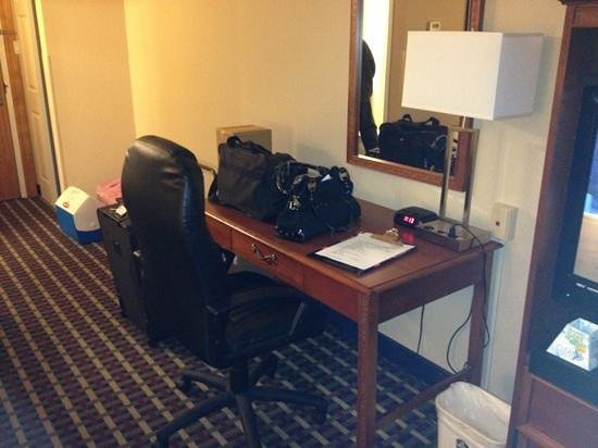 Best Western Fort Washington Inn : desk area