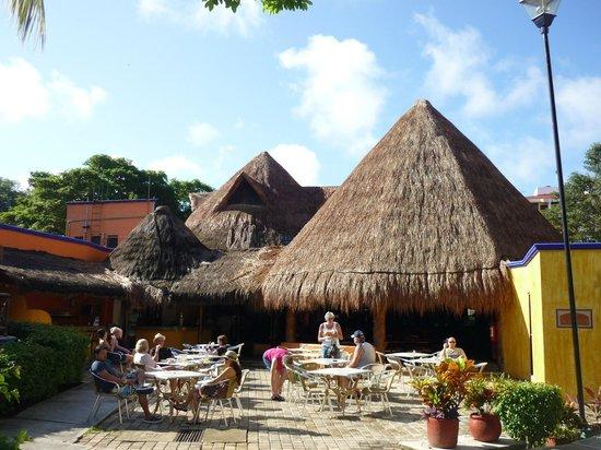 Real Playa del Carmen: le bar et la salle à manger
