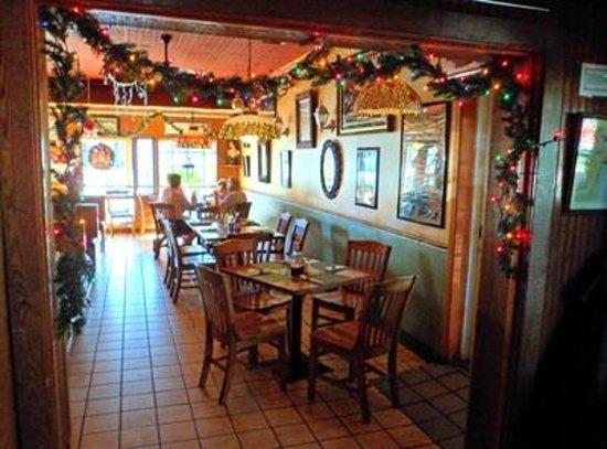 Rooney's: Festive dining room