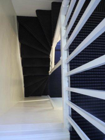 جيسموند دين: escalier d'accès 