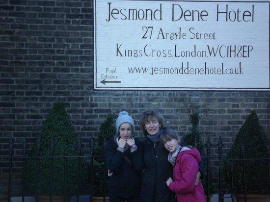 جيسموند دين: facade hôtel 
