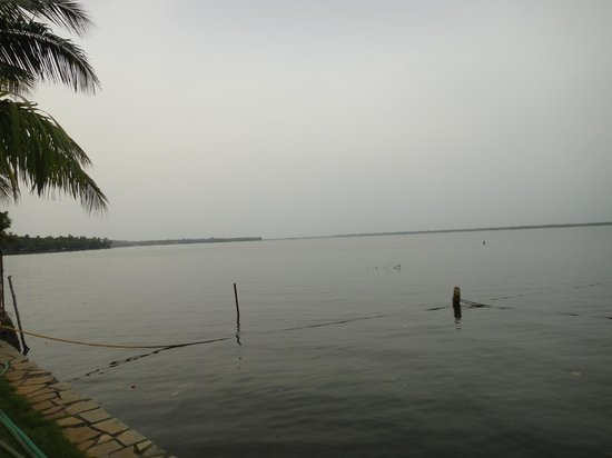 The Park on Vembanad Lake: vembanad lake front from resort