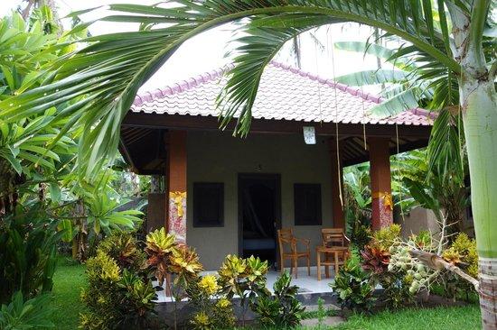 Suka Sari Cottages & Warung: Our Bungalow