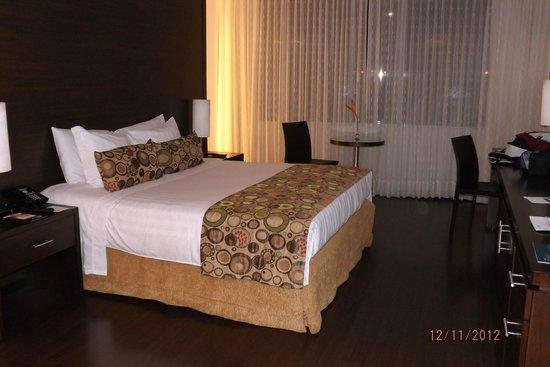 Hotel Estelar Milla de Oro: cama habitacion