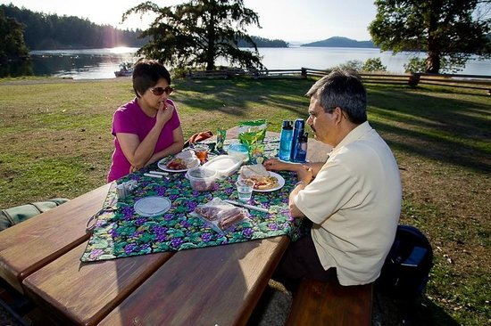 Gulf Islands National Park Reserve of Canada: Picnicking at Winter Cove, Saturna Island