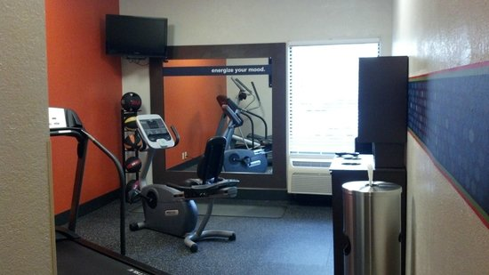 Magnuson Hotel Bourbonnais : Jump Start Fitness Center