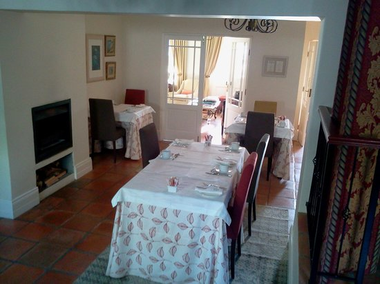 Ashbourne House Guest House: Breakfast area