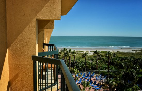 DoubleTree by Hilton Hotel Cocoa Beach Oceanfront: View From a Side Ocean View Room