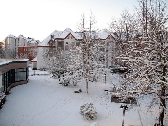 Ramada Hotel Bruehl-Koeln : View from room of hotel grounds