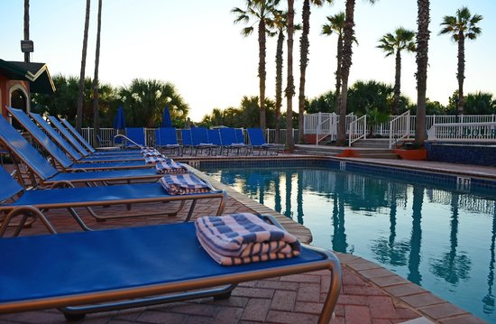 DoubleTree by Hilton Hotel Cocoa Beach Oceanfront: Oceanfront Pool
