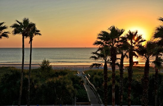DoubleTree by Hilton Hotel Cocoa Beach Oceanfront: Sunrise View