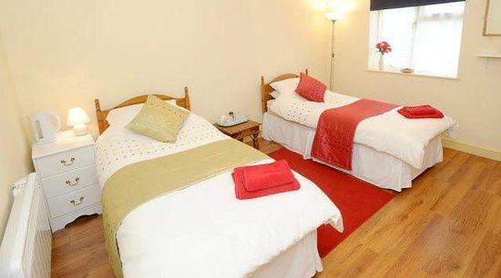 Oak Tree Cottage: bedroom 3