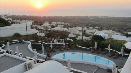 Finikia's Place: Situación del Hotel