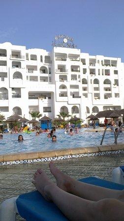 Yasmine Beach Resort : Pool