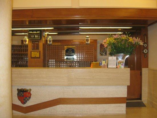 Grand Hotel Adriatico: Ufficio ricevimento clienti: professionali