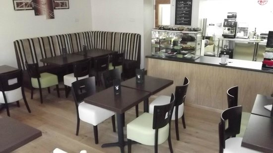 Flavours coffee bar: 10 seater area to suit families.