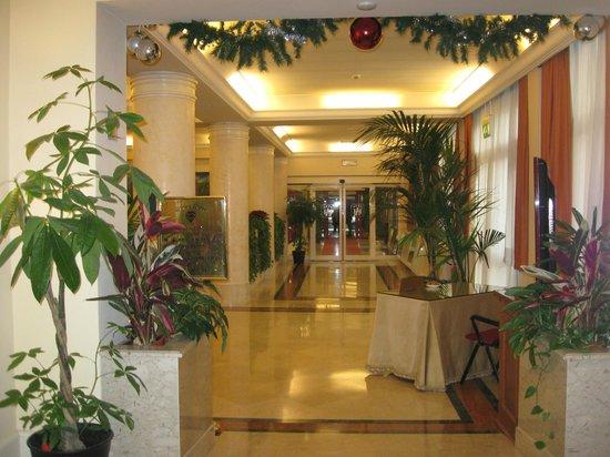 Grand Hotel Adriatico: Entrata Hotel : bellissima e scenografica