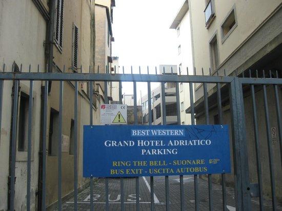 Grand Hotel Adriatico: Ottimo hotel,buona posizione eccezionale garage auto interno