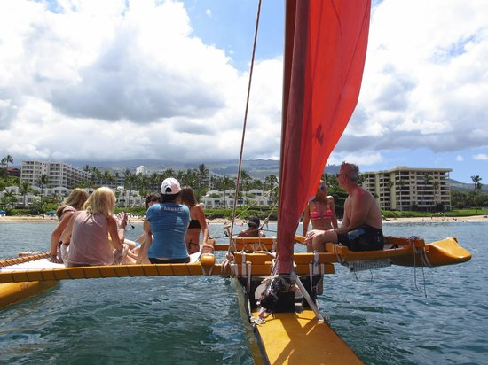 Hawaiian Sailing Canoe Adventures: Cruisin' the Coastline!