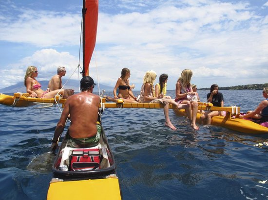 Hawaiian Sailing Canoe Adventures: The Whole Gang!