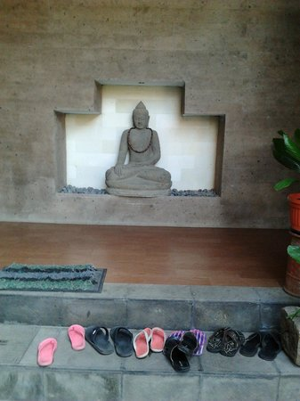 Yulia Homestay: buddha