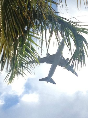La Quinta Inn & Suites Miami Airport West: lots of noise from planes