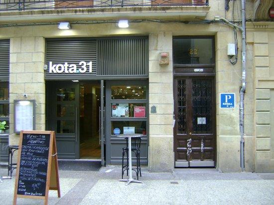 Koxka Pension Ostatua: the entrance