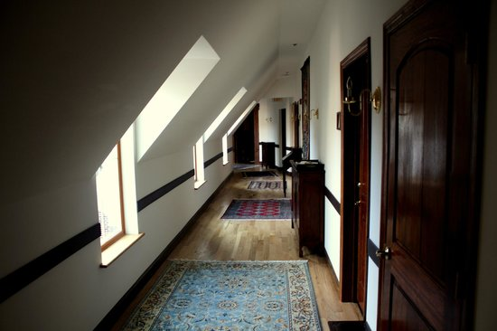 Wedmore Place: Upstairs Hallway