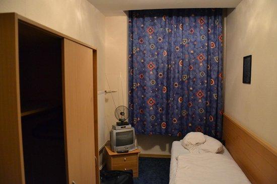 Pension Messe: Single room