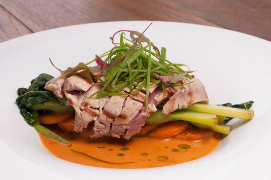 Karmaway : Seared tuna steak with local greens and coconut sauce