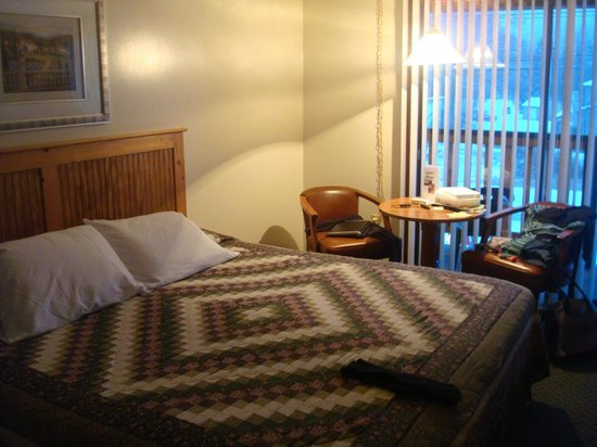 The Kancamagus Lodge: our room