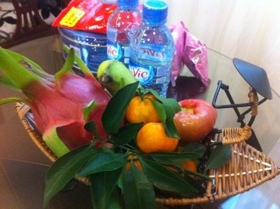 Signature Saigon Hotel: Welcome Fruit Basket