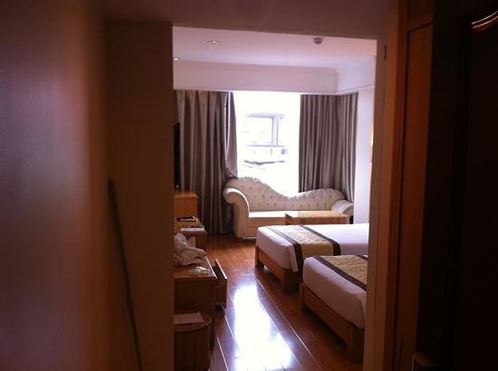 Silverland Central Hotel and Spa: Room