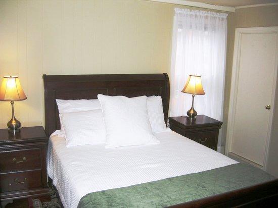 Nantucket White House Inn: Guest Room 3