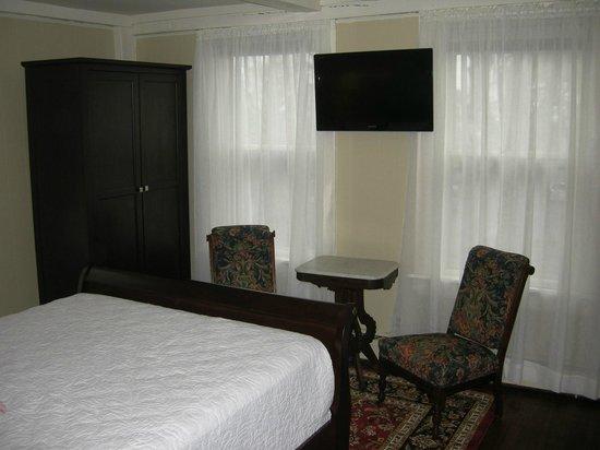 Nantucket White House Inn: Guest Room 2