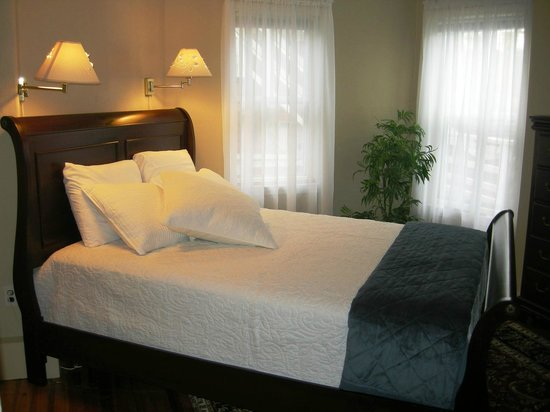 Nantucket White House Inn: Guest Suite 4