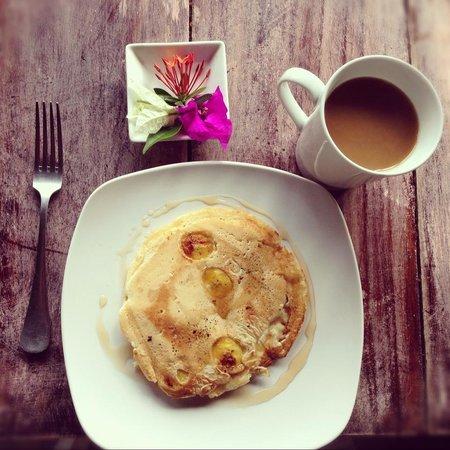 Casa De Olas: Breakfast - Banana Pancakes
