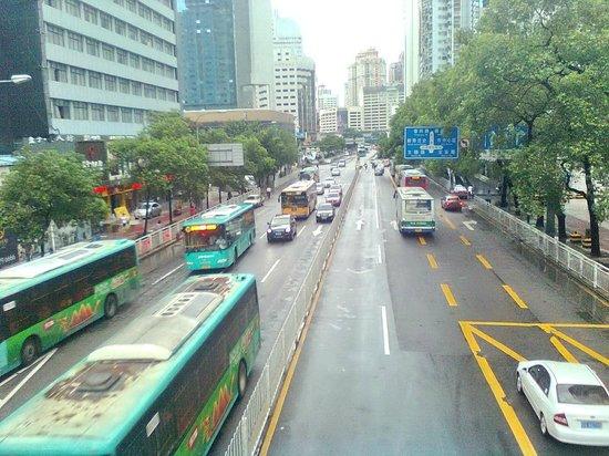 Metropark Hotel Shenzhen: Dongman Street from pedestrian overpass