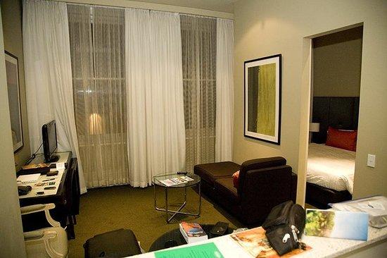 Adina Apartment Hotel Adelaide Treasury: living room