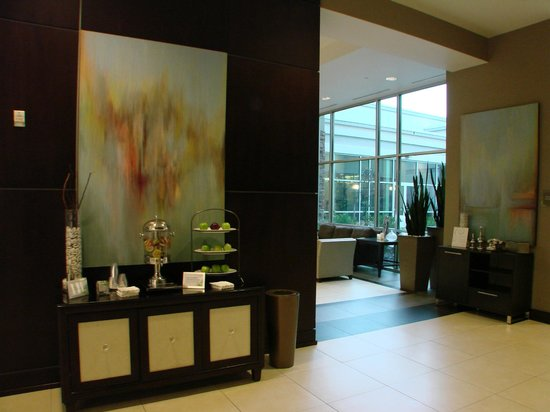 The Westin Richmond: attractive lobby