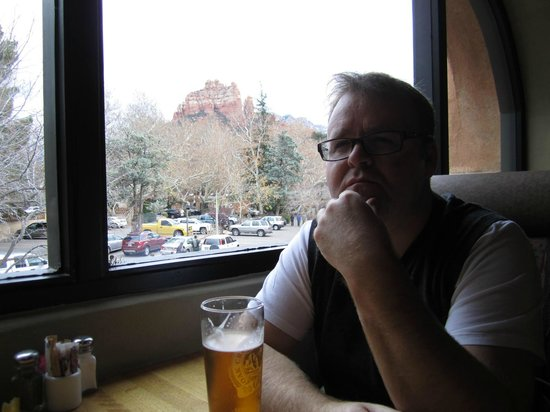 Oak Creek Brewery : Views of Red Rocks while you dine