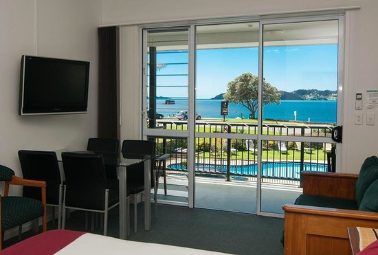 Anchorage Motel: One Bedroom Sea-view Suite