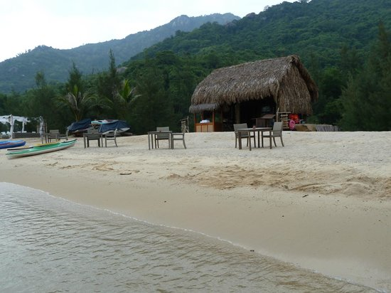 L'Alyana Ninh Van Bay: The beach