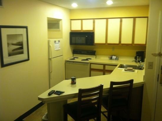 Sonesta ES Suites Dublin: nice kitchen