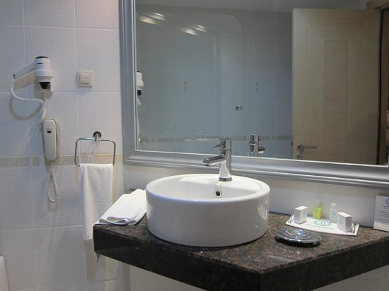 Grand Belish Hotel: The basin design was rather high/tall